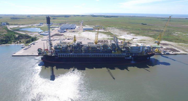 Começa a operar a décima terceira plataforma na área do pré-sal na Bacia de Santos