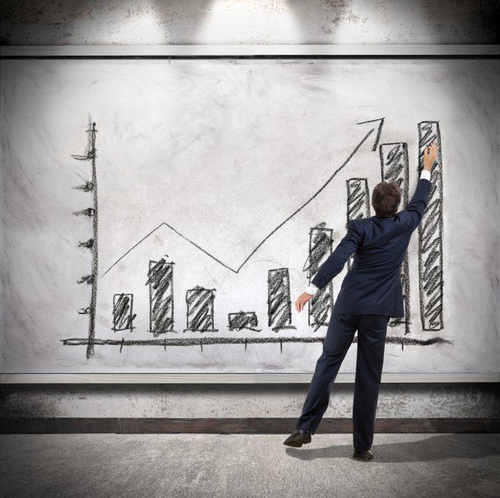 Economistas apontam uma série de medidas que podem impulsionar o crescimento econômico