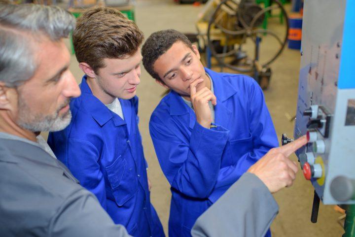 SENAI ministra curso para montadores da Montcalm a partir de parceria com a ABEMI